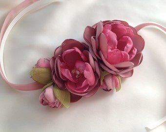 Flower Wrist corsage, Flower corsage, Fabric corsage, Dusty pink fabric flowers, Bridesmaids gift, Wedding accessories for mother, sister