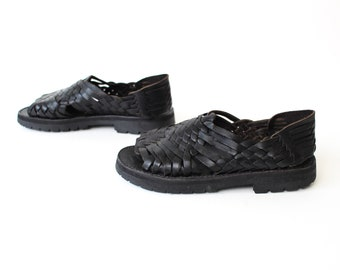 size 7.5 FISHERMAN black leather 80s 90s CHUNKY GRUNGE woven leather sandals