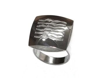 SQUARE ring jewellery design, contemporary and minimalist silver version