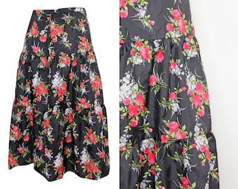Vintage 80s Black Floral Print Tiered Skirt Size 8-10/36-38 / Red and Black / Rose Print / Flower Skirt / A-Line / Midi Skirt