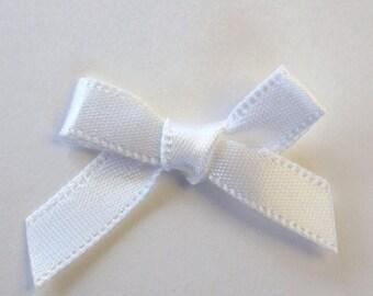 25 x 7mm Satin ribbon bow: Ivory - 02354