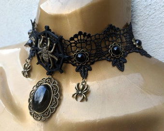 Spider web choker necklace / Halloween / Gothic