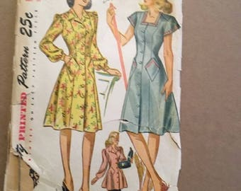 vintage 1940's Simplicity Pattern 2161  Misses and Women's Smock and House Dress (dress) Size 16 Bust 34