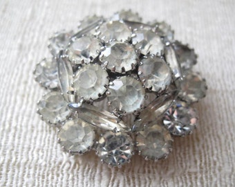 Vintage Rhinestone Domed Brooch / Estate Jewelry / Mid Century Pin / Bridal Wedding Jewelry / Vintage Accessory / Collectible Pin