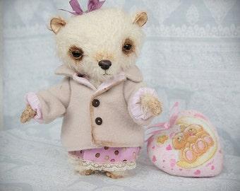 Artist Teddy Bear Barbara - 7 inch (18 cm)