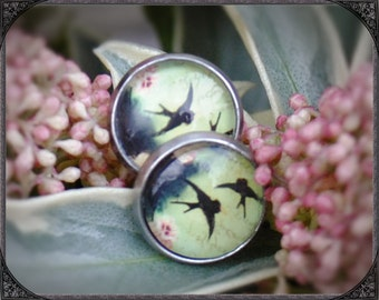 Stainless steel earstuds with green Swallow 2
