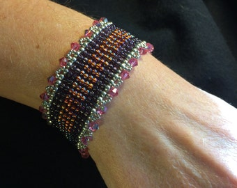 NO 92 Hand Woven Crystal and Glass Beaded Bracelet