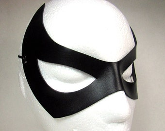 Catwoman Mask / Leather Mask / Catwoman / Eartha Kitt Inspired/ Black Superhero Mask/ Catwoman Cosplay / Cat Woman Costume/ Superhero / Mask