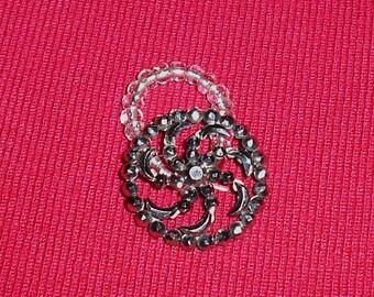 Vintage Button Ring, Silver Pinwheel, Scarf ring, Size 6 to 7