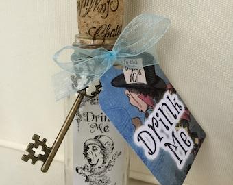 Alice in Wonderland Bottle. Drink Me Bottle. Drink Me. Mad Hatter's Tea Party. Alice in Wonderland Decor. Drink Me. Bottle. Alice Bottle