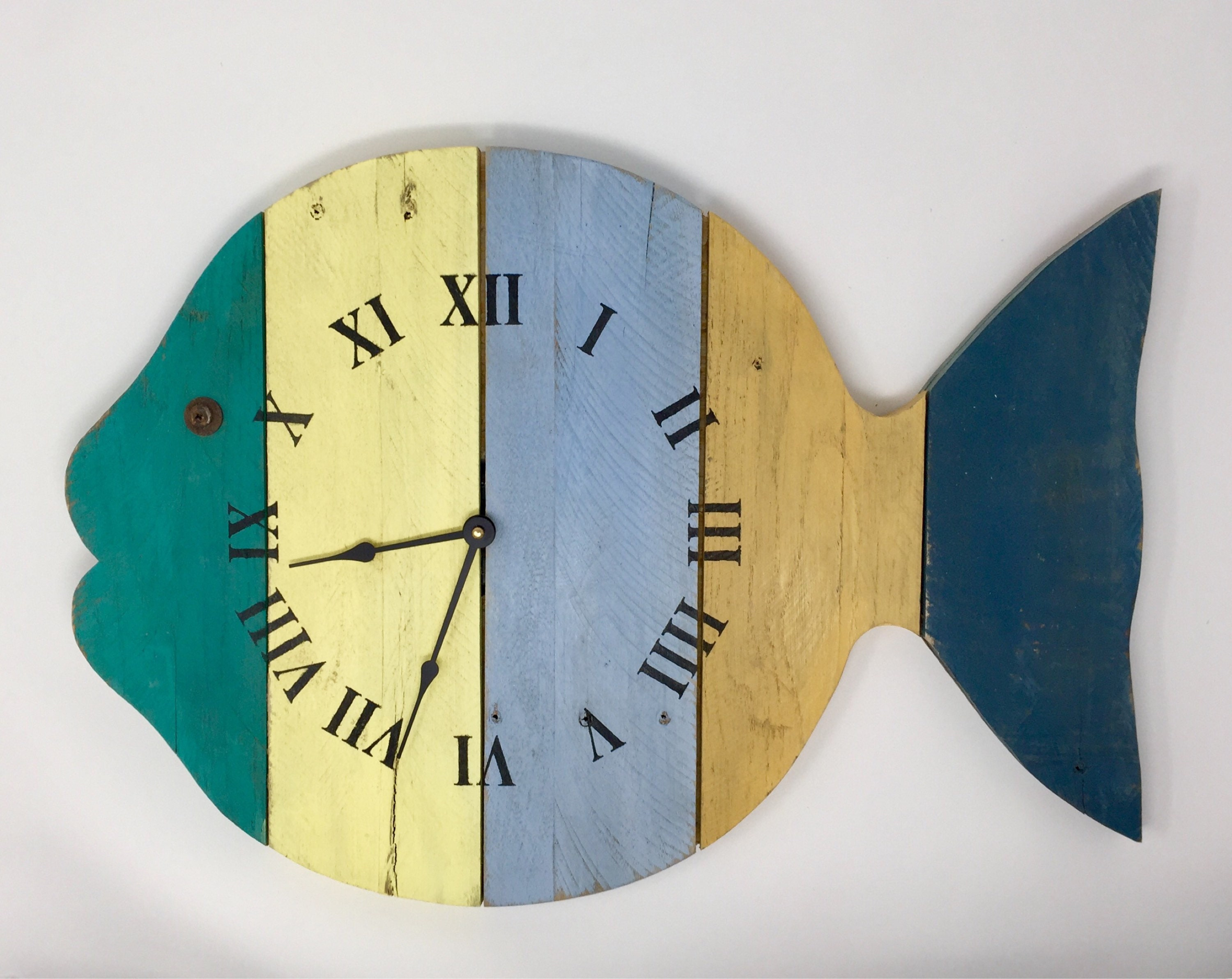 Rustic Painted Fish Beach Wall Clock 20 wide tropical