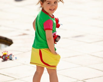 BEEETÚ T-shirt with cheerful play butterfly