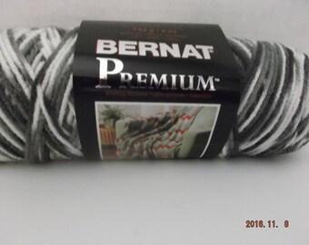 """Bernat Premium Yarn """"Colour Grey Variegated"""" #4 Medium ~ 142 Grams/5 Ounces ~ 258 Yards"""
