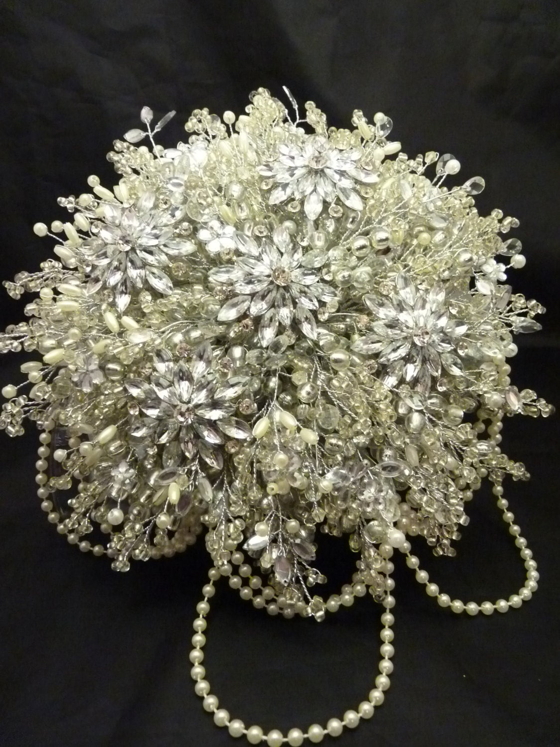 Great gatsby wedding bouquet with large flower brooch in ivory great gatsby wedding bouquet with large flower brooch in ivory 1920s style bouquet brooch bouquet silver bouquet beaded izmirmasajfo