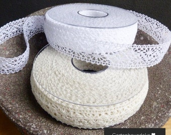 Lace Band * Chantilly * 15 m in Div. Colors