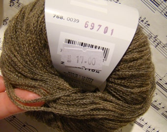 FREE SHIPPING - Novena with baby alpaca from Lang Yarns - only 6.49 USD