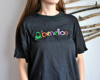 Vintage black tee 1990s 1980s womens casual embroidery t-shirt