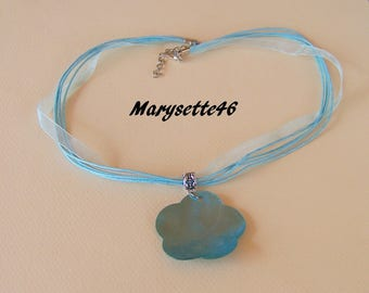 Satin organza necklace and its Blue Pearl flower