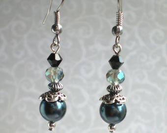 Grey Victorian style earrings, Grey vintage style earrings, Grey pearl earings, Grey Swarovski pearl earrings, Tahitian pearl earrings