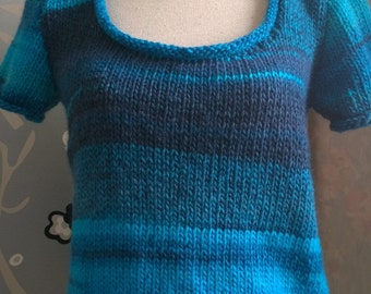 Short sleeves blue sweater, size small