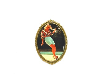Vintage skate brooch