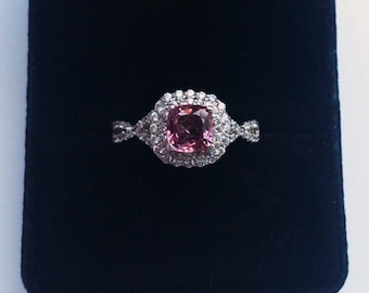 Genuine purplish pink spinel 1.2ct, 925 sterling silver ring, rhodinated (looks like white gold)