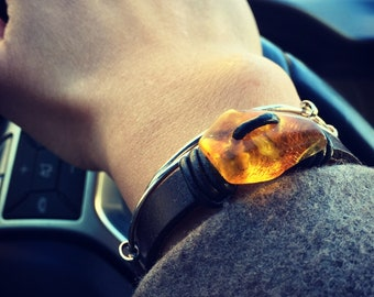 Baltic Amber on Leather Bracelet - Jaws 1