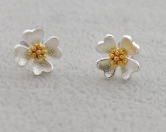 Evening Primrose Flower Stud Earrings in Sterling Silver with Gold Plating e2