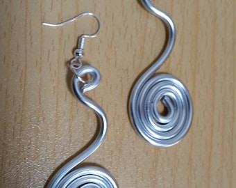 Handgemaakte aluminium oorbellen - Item 648