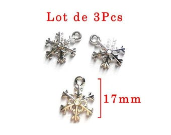 Lot 3 Pcs: snowflake pendant, model c silver color, size approximately 17mm x13mm.