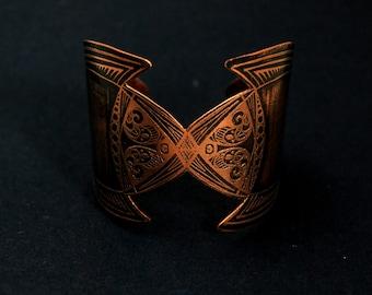 Copper etched Medieval cuff - copper elven cuff - armour cuff - futuristic