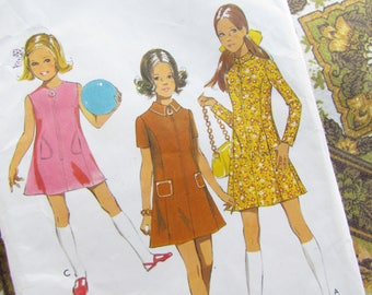 Vintage Size 32 Inch Teen's Panelled Dress - 1971 Style Sewing Pattern No 3051