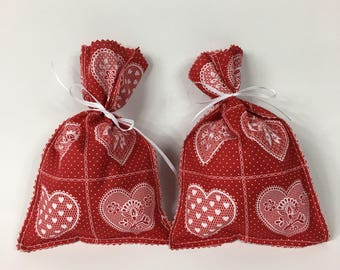 Valentines gift bags/ fabric heart reusable treat bags/ classroom gift bags