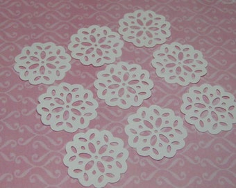 Dollhouse miniature cake doilies 9 pcs white for bakery miniature sweets and cookies