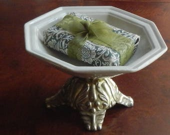 Vintage Ornate Soap Dish!