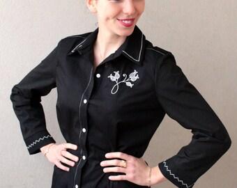Sofia: embroidered black blouse with delicate white designs
