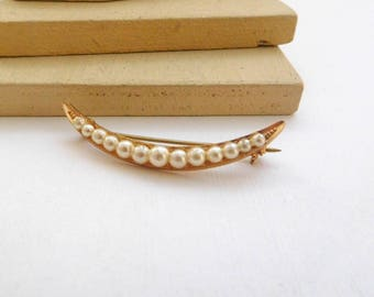 Vintage Gold Tone White Faux Pearl Skinny Crescent Moon Brooch Pin D18