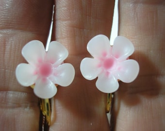 """Play Earring - Clip or Pierced - Hibiscus - Tropical Flower - White/Lt Pink - 1/2"""""""