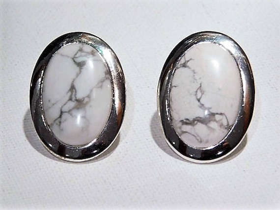 White Howlite / Clip On Earrings