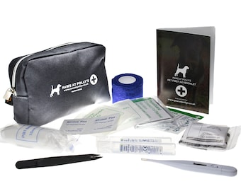 First aid kit for dogs - Emergency bag with booklet to use walks / home / car