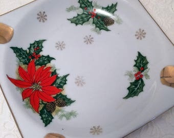 Cute and Kitschy Vintage 1960's Christmas Poinsettia Ashtray!