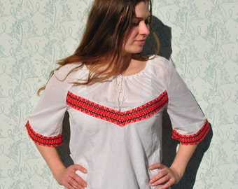 Peasant blouse, Hungarian blouse, embroidered shirt, peasant top, folk blouse, embroidered shirt, embroidered blouse, vintage peasant top