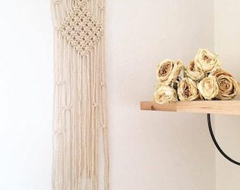 In macrame wall hanging / macrame wall art / Driftwood / driftwood