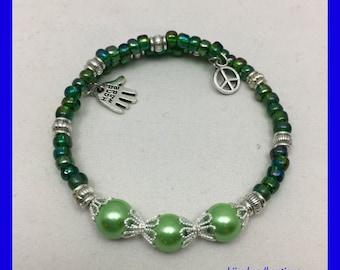 Green Pearl Beaded Memory Wire Bracelet, Stackable Bracelet, Stretchy Bracelet, Peace Sign Bracelet, Gift ideas, Unique One of a Kind,