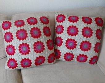 2 cushions in crochet and fabric red / ecru