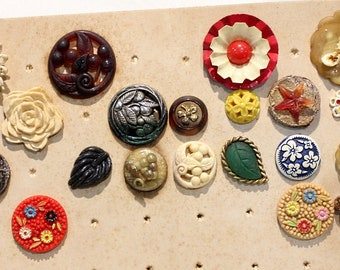 1930s and 1940s Antique Goofies Buttons