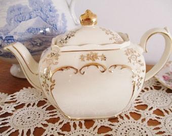 SADLER CUBE TEAPOT, 1930s Sadler cream and gold teapot, 5-6 cup teapot, Wedding teapot, tea parties, high tea, excellent condition