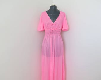 """1970s Bubblegum Pink V-Neck Nightgown - Union Made - Bust up to 36"""" (B2)"""