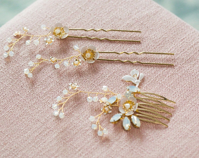 Gold flower Hair pins, Wedding Hair Accessories, Pearl Bridal Hair pins, Bridal Headpiece, Bridal Accessories, Hair vine, flower hair pins
