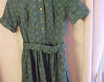 1950s Green Cotton Print Shirwaist Dress, S10 Teen     3341
